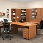 Ponudba pisarniških stolov in pisalnih miz