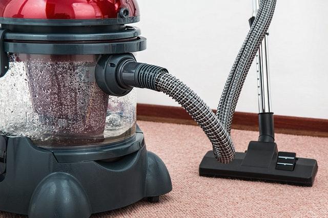 Vsestranski pripomočki pri čiščenju doma